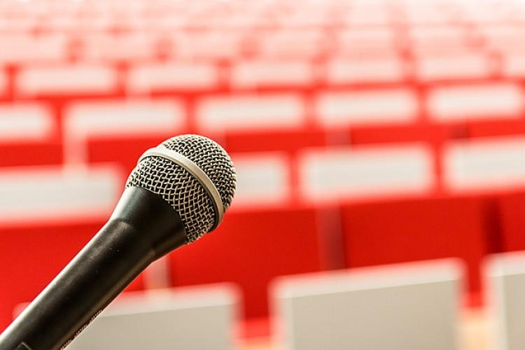 Microphone in front of a presentation hall